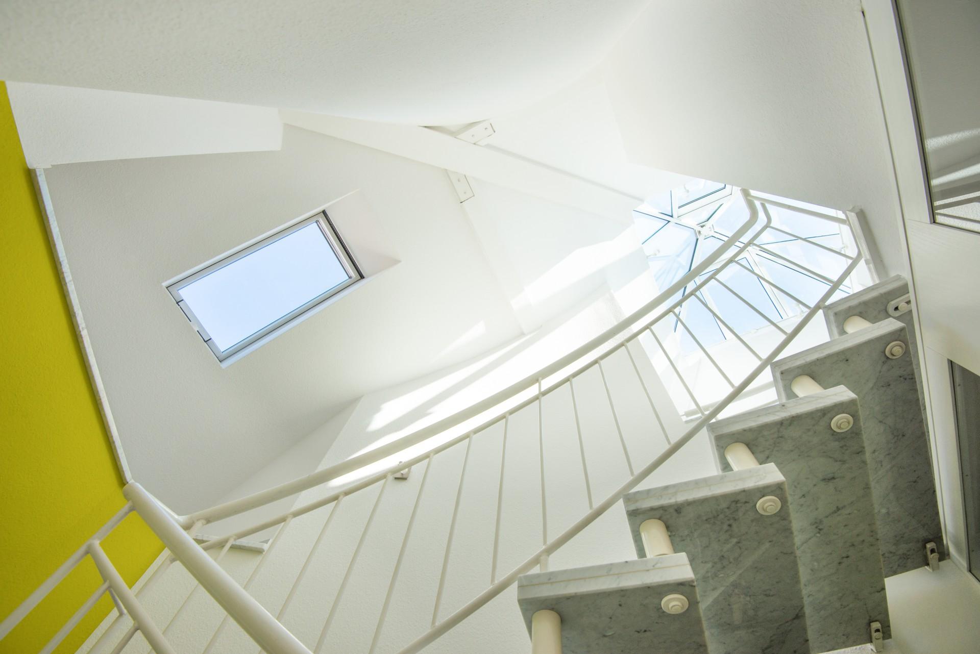 Treppenhaus zum Dachgeschoss